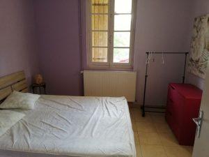 Chambre 3 violette pour couple du gite
